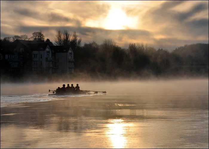 bann-rowing-in-the-mist