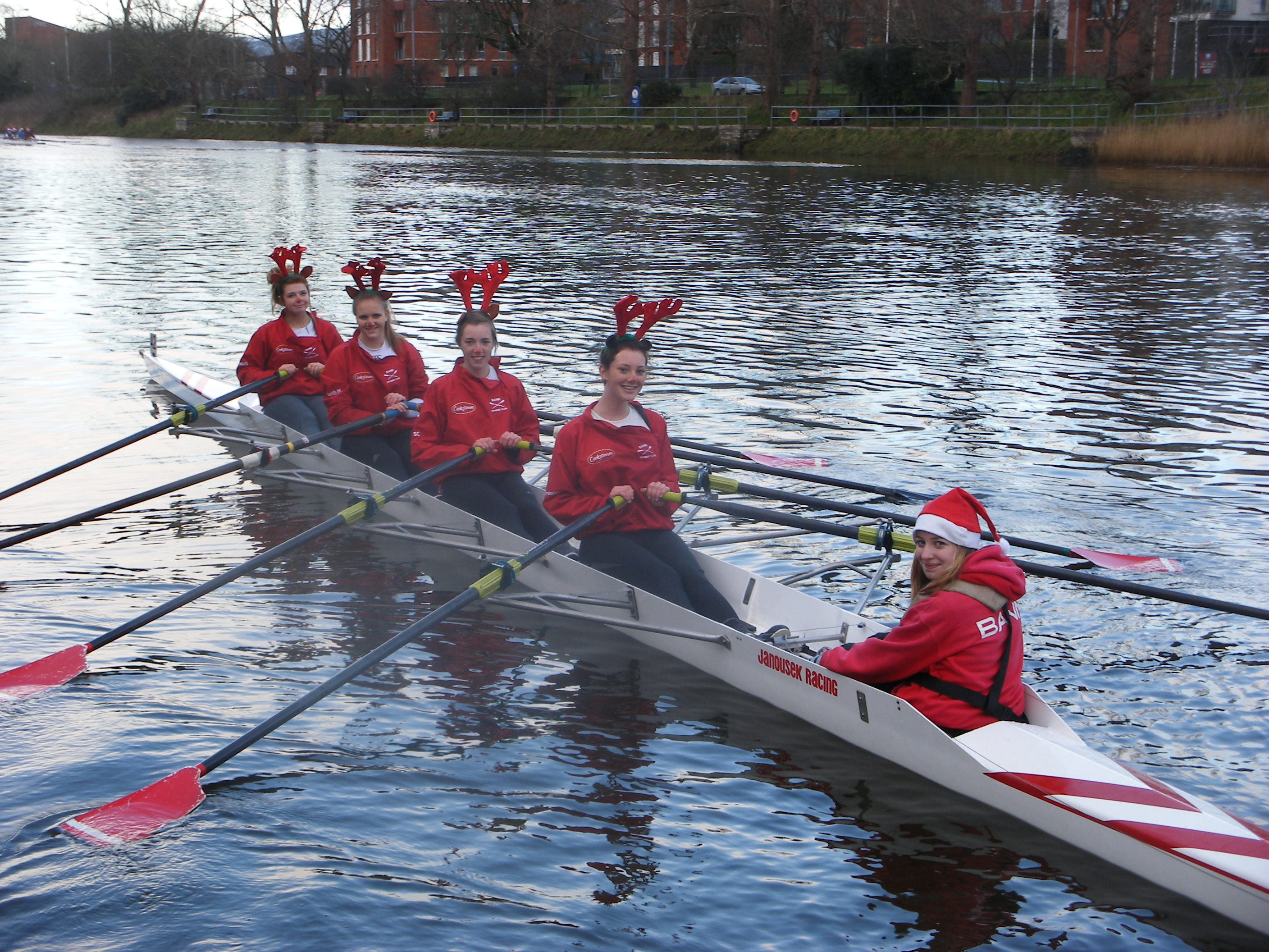 santa-and-her-festive-bann-sleigh-lagan-festive-head-2011